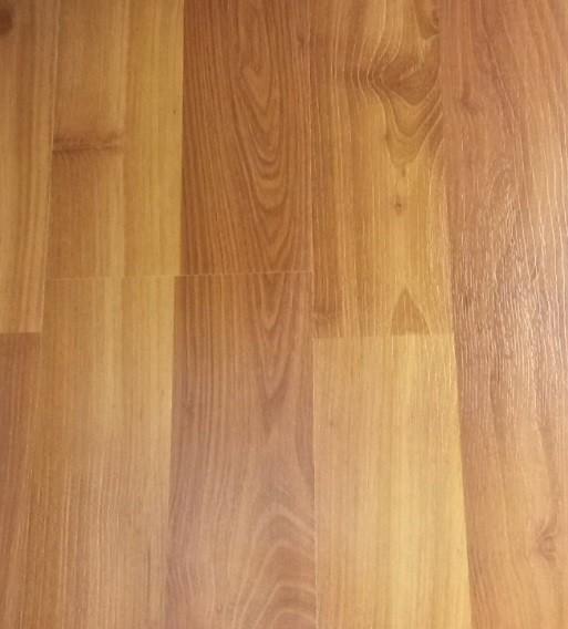 Laminates Maple Leaf Medium Oak, Maple Leaf Premium Laminate Flooring Reviews